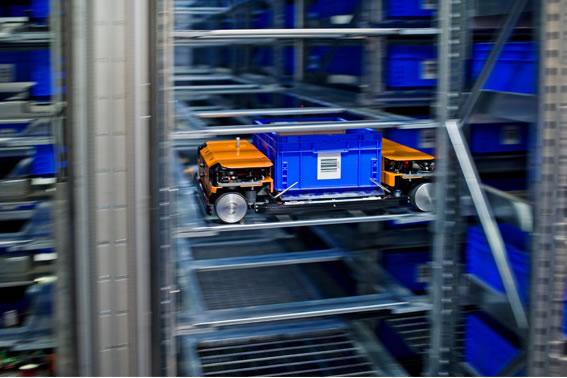 Autonomous Robots Provide Green Logistics