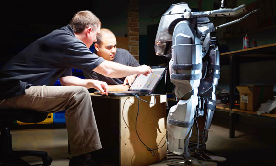 Rex-Exoskelett. © 2012 Rex Bionics